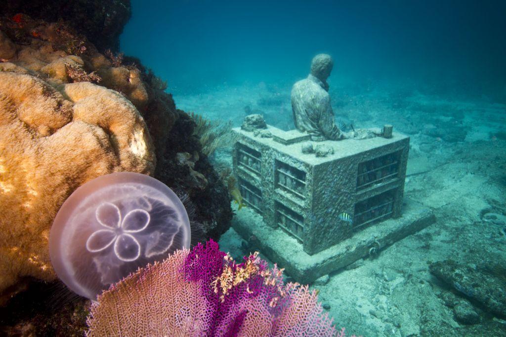 музей подводных фигур